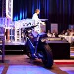 Robert Engels foredrar om sin Linux-baserte, elektriske motorsykkel